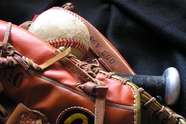 軟式野球と硬式野球の違い