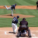 【野球】ピッチャーとタイミングが合うシンクロ打法の動作とコツ