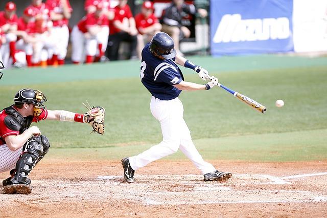 軟式野球と硬式野球の打ち方の違い